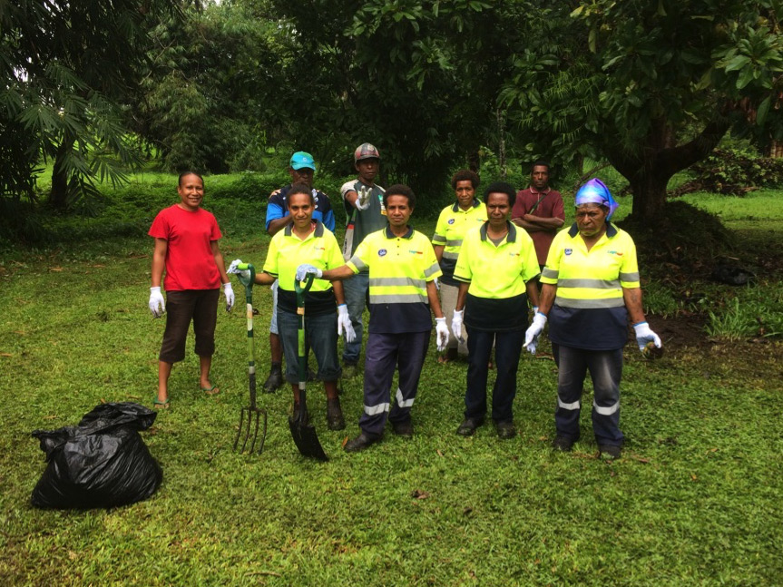 Above: Gala Ice Cream team clean up green rubbish in the gardens on 3rd October. From L-R: Dulcie Mangil, Becky Jackson, Agnes Peter, Susan Yanam, Margaret William, Francis Ibsaghi, Auns Mallisa, Enet Joshua, Botanic Gardens worker)